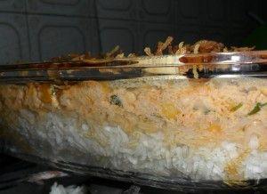 Arroz com frango em camadas