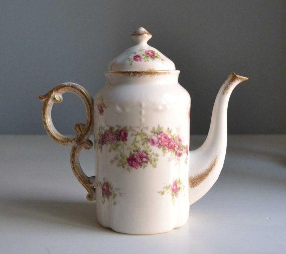 Antique french cottage chic roses porcelain teapot rococo - Decoration conseil limoges ...