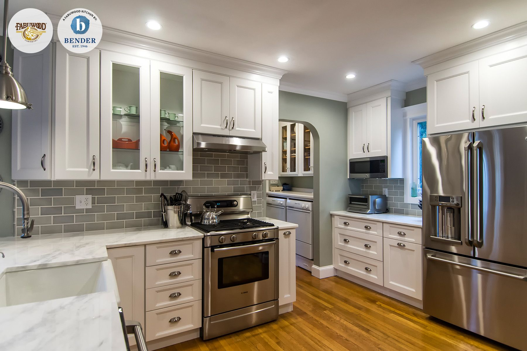 This beautiful Fabuwood Nexus Frost #kitchen was built by Bender ...