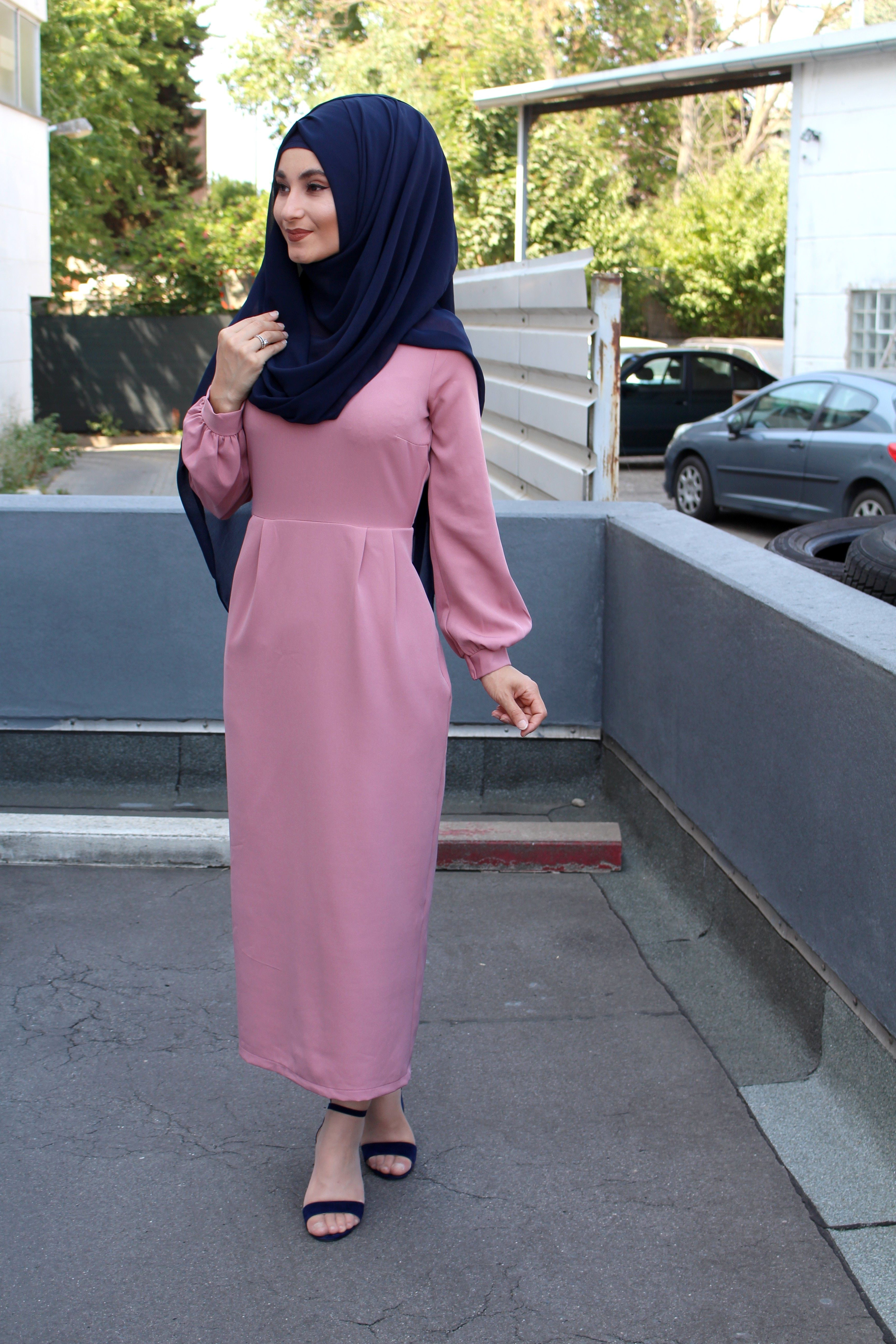 pink dress. hijab  Modesty fashion, Muslim fashion, Muslimah