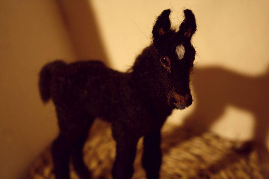 foal2 | par Minzoo Needle Felting Sculptures