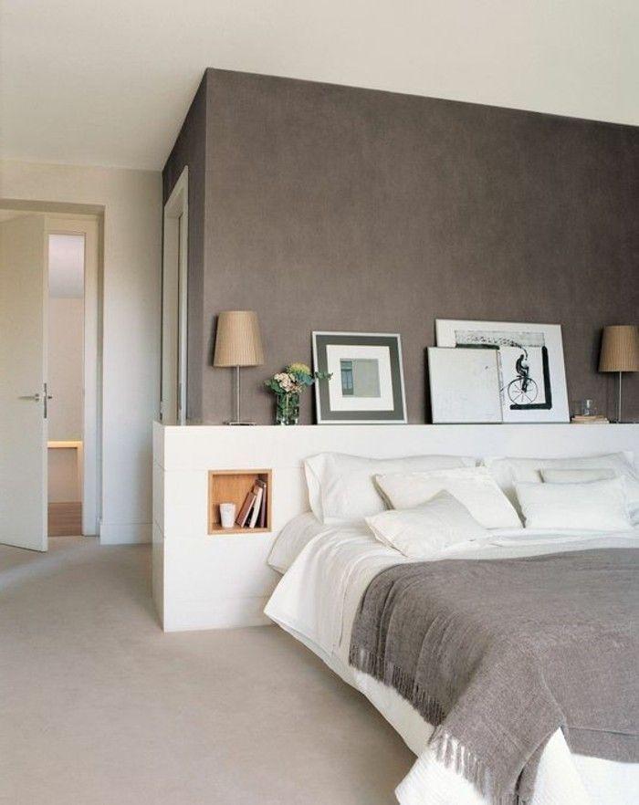 taupe Wände schickes Interieur im Schlafzimmer beige Teppich