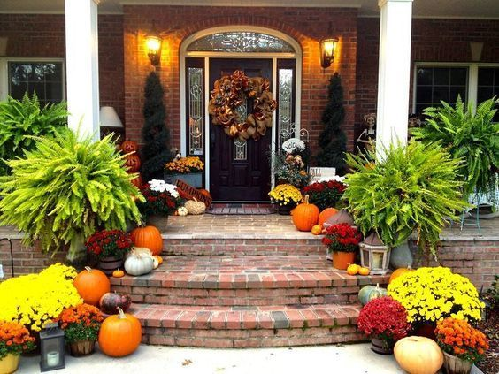 44 Fantastic Fall Front Porches Ideas For Tons Of Inspiration #fallfrontporchdecor