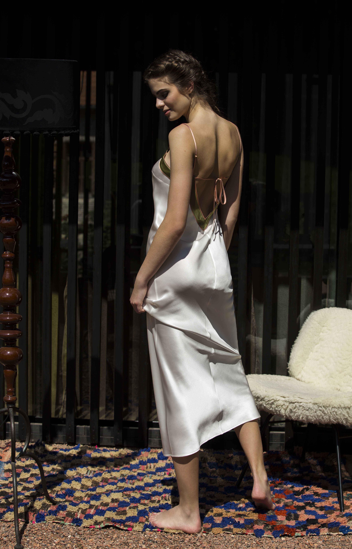 55c29e0639 Chemise de nuit longue de la collection electre underwear model jpg  3898x6086 Photography silk lingerie