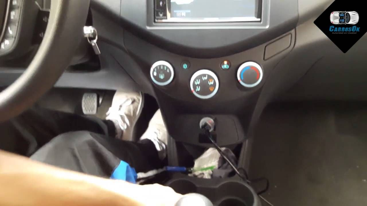 carrosokconduciendo test drive a chevrolet spark gt revisando el interior carros ok https