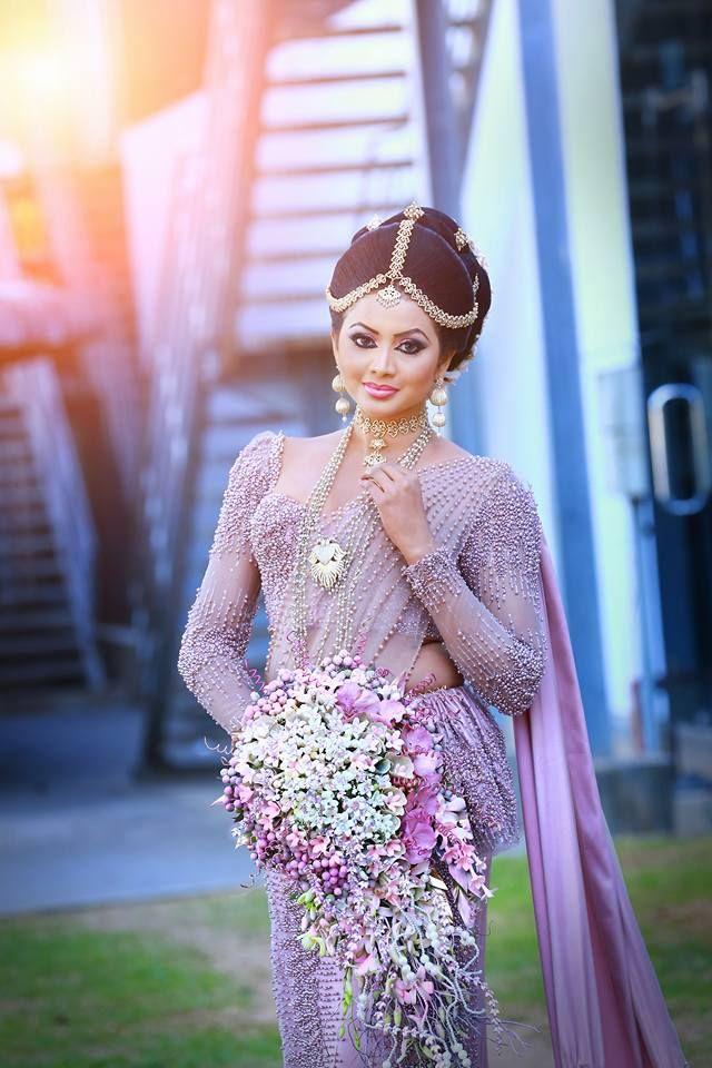 Sri Lankan bride Dreesed by Sameera Rukmal | Sri Lankan Weddings ...