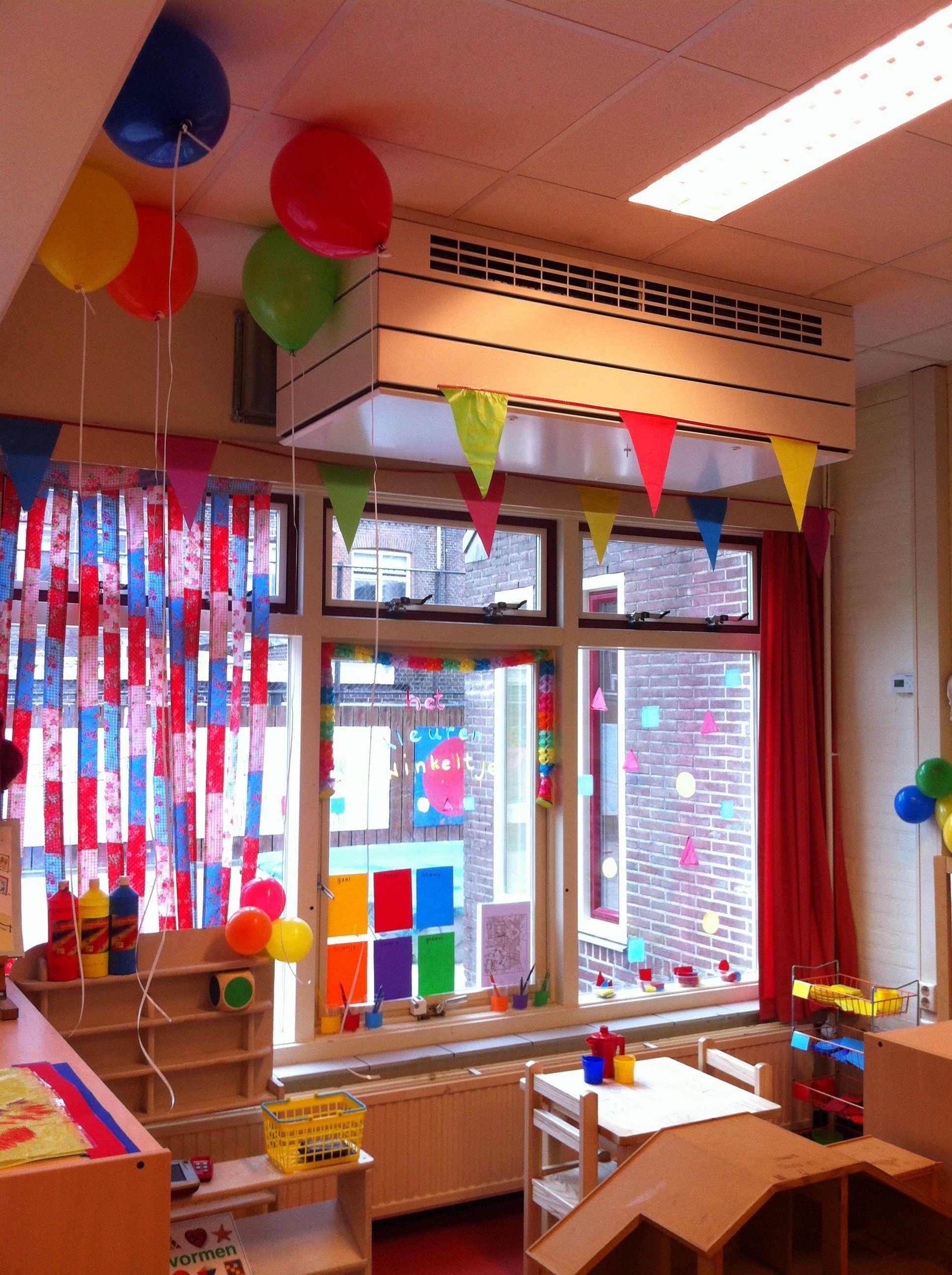Het Kleurenwinkeltje is geopend met helium ballonnen!