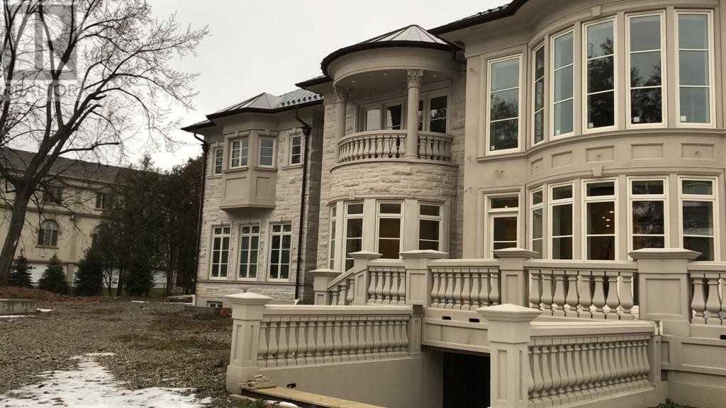 For Sale 8 High Point Rd Toronto Ontario M3b2a4 C4502477 Realtor Ca Stone Pool House Exterior Exterior