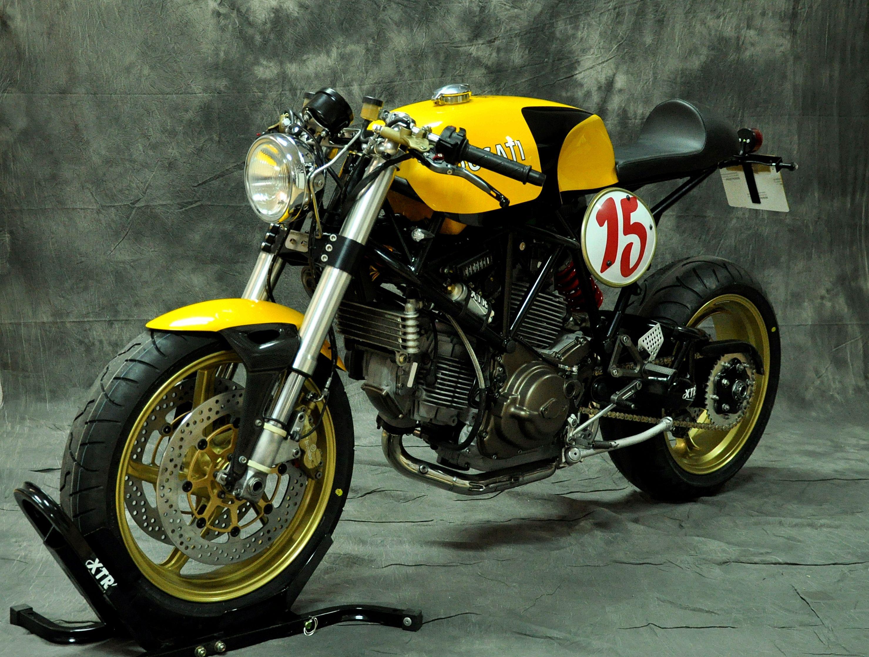 Beautiful Ducati 750 Caferacer Rider By Xtr Pepo Una Ducati