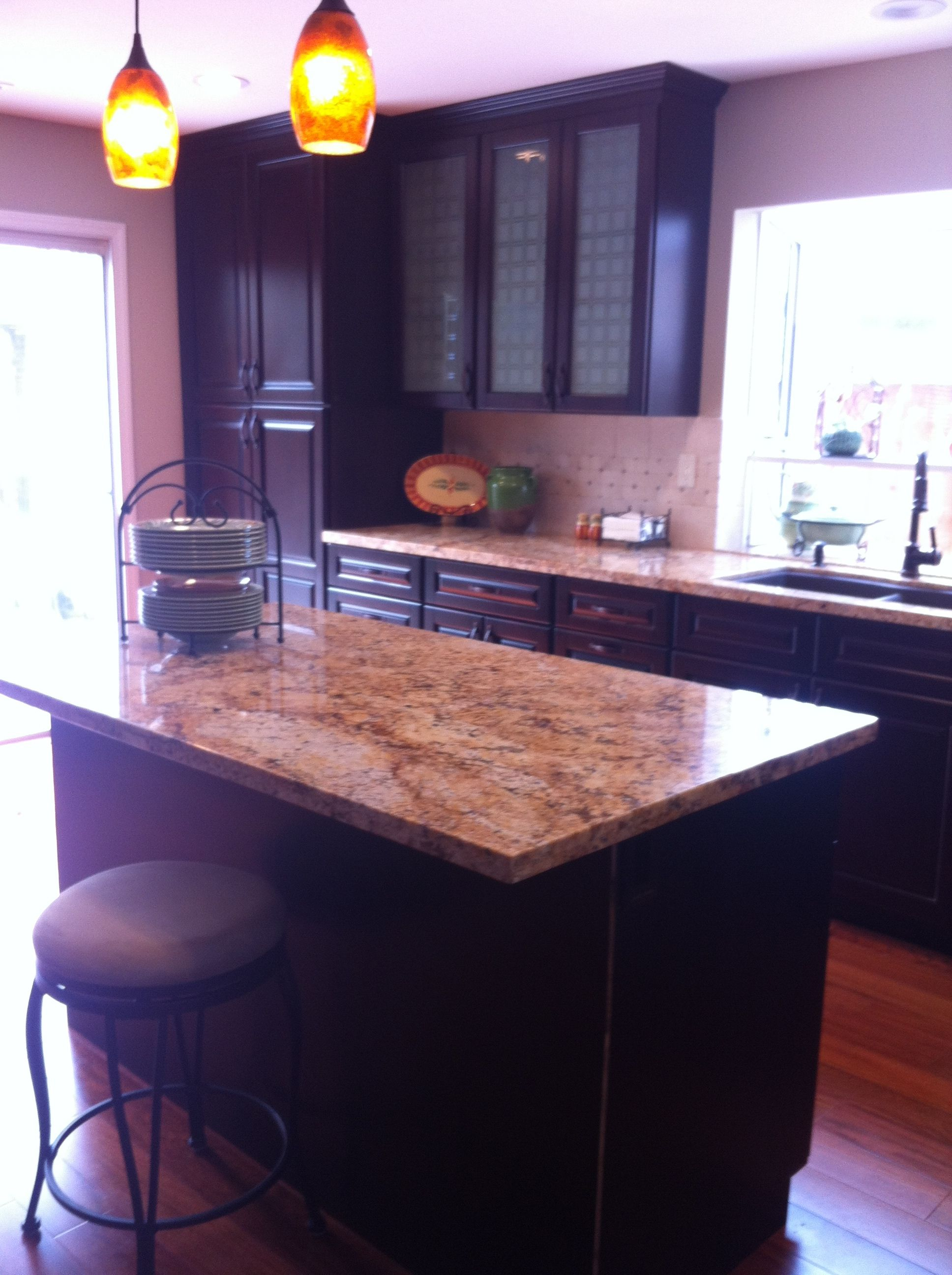 Golden Persa Granite From Brazil Kz Kitchen Cabinets In American Cherry Villa Style