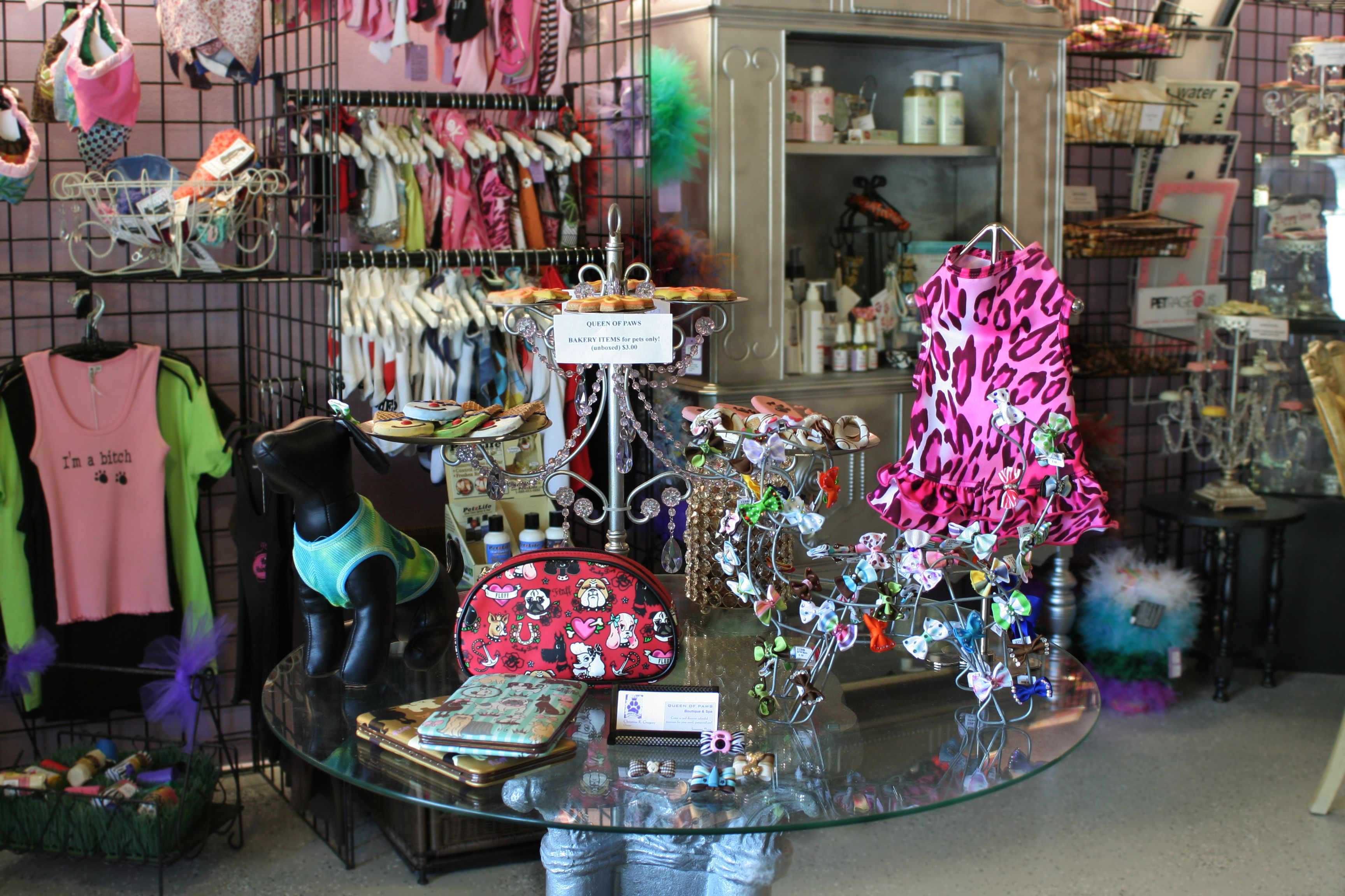 Come in & discover splendid treasures for you royal