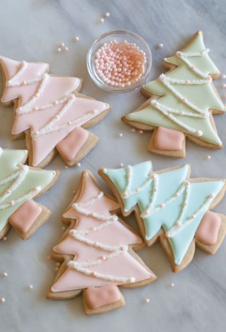 Cinnamon-Sugar Cut-Out Cookies - 17 Skillfully Decorated Christmas Cookies Which Will Spread Cheer Among Your Family