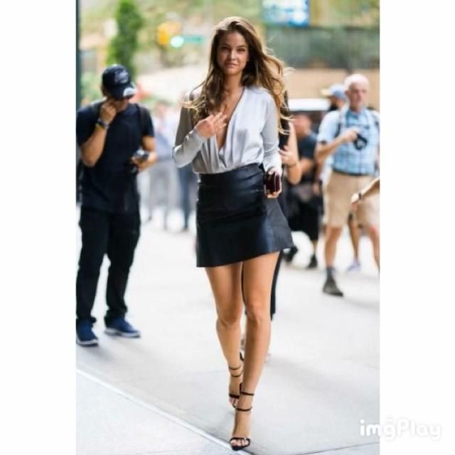 Photo of Barbara Palvin walking top body dress