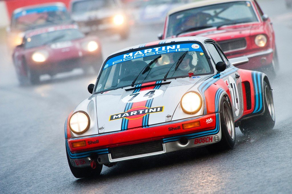 911 Martini en lluvia