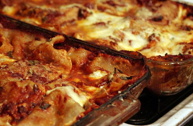 How To Reheat Lasagna Oven Or Microwave Which One Does It Best Real Food Recipes How To Reheat Lasagna Italian Christmas Recipes