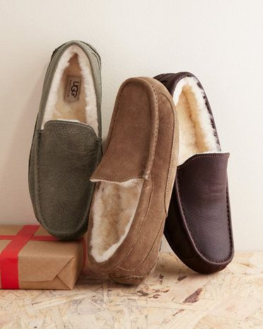 ebcdc2af2d365 UGG® Men's Ascot Slippers For the winter yes please! | My Style ...