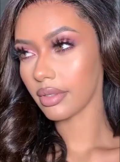 Photo of Look de maquillaje suave y glamoroso