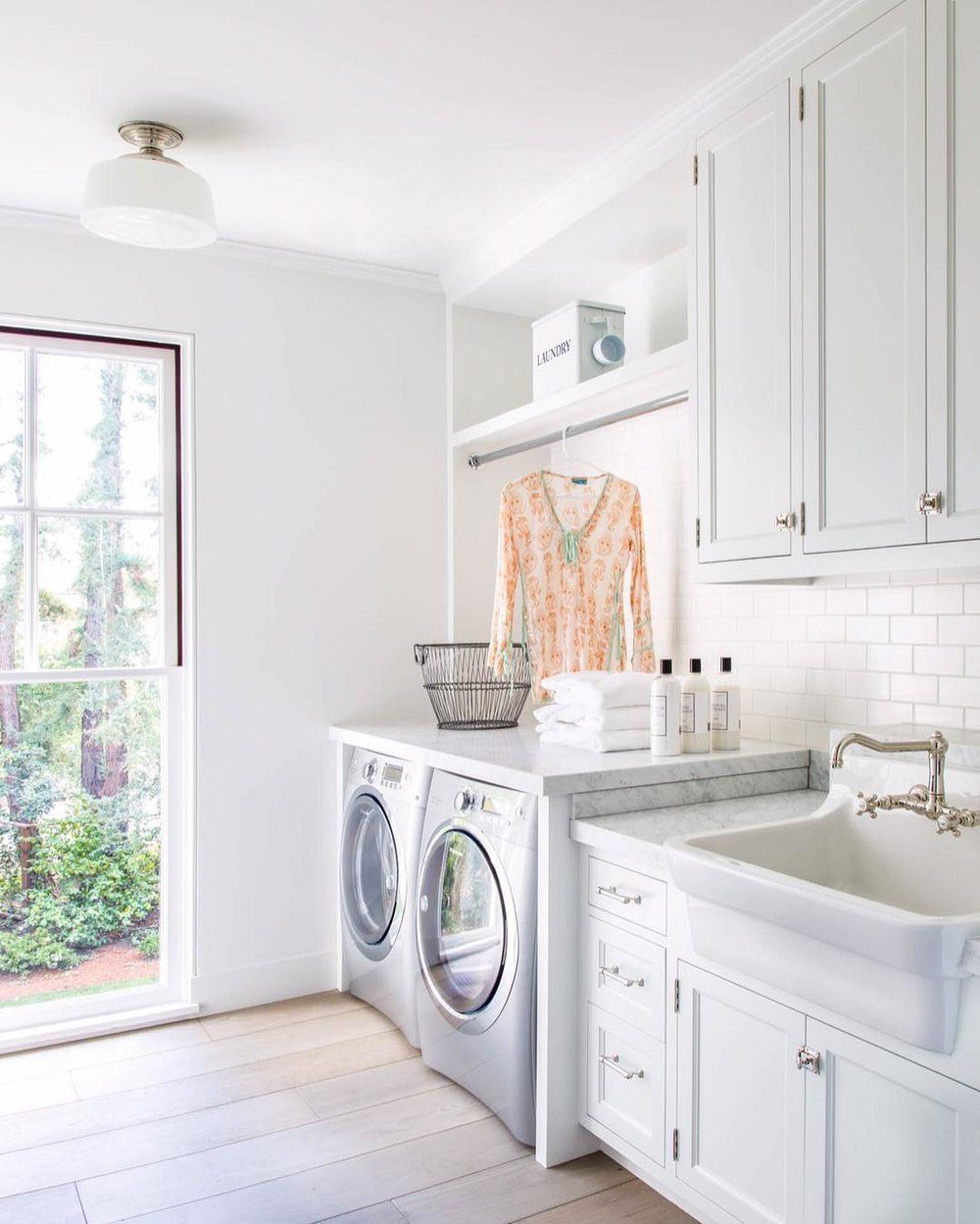 10 Clever Clothes Hanging Solutions For Your Laundry Room 9 Vintage Laundry Room Decor Hanging Racks Laundry Room