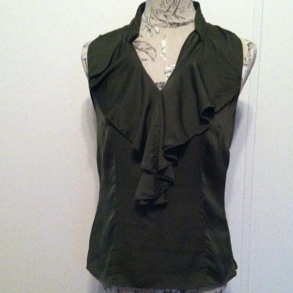 Ann Taylor Green 92% Silk Top 4 Nice green top with ruffles. Hidden zipper on side. 92% silk 8% spandex Ann Taylor Tops