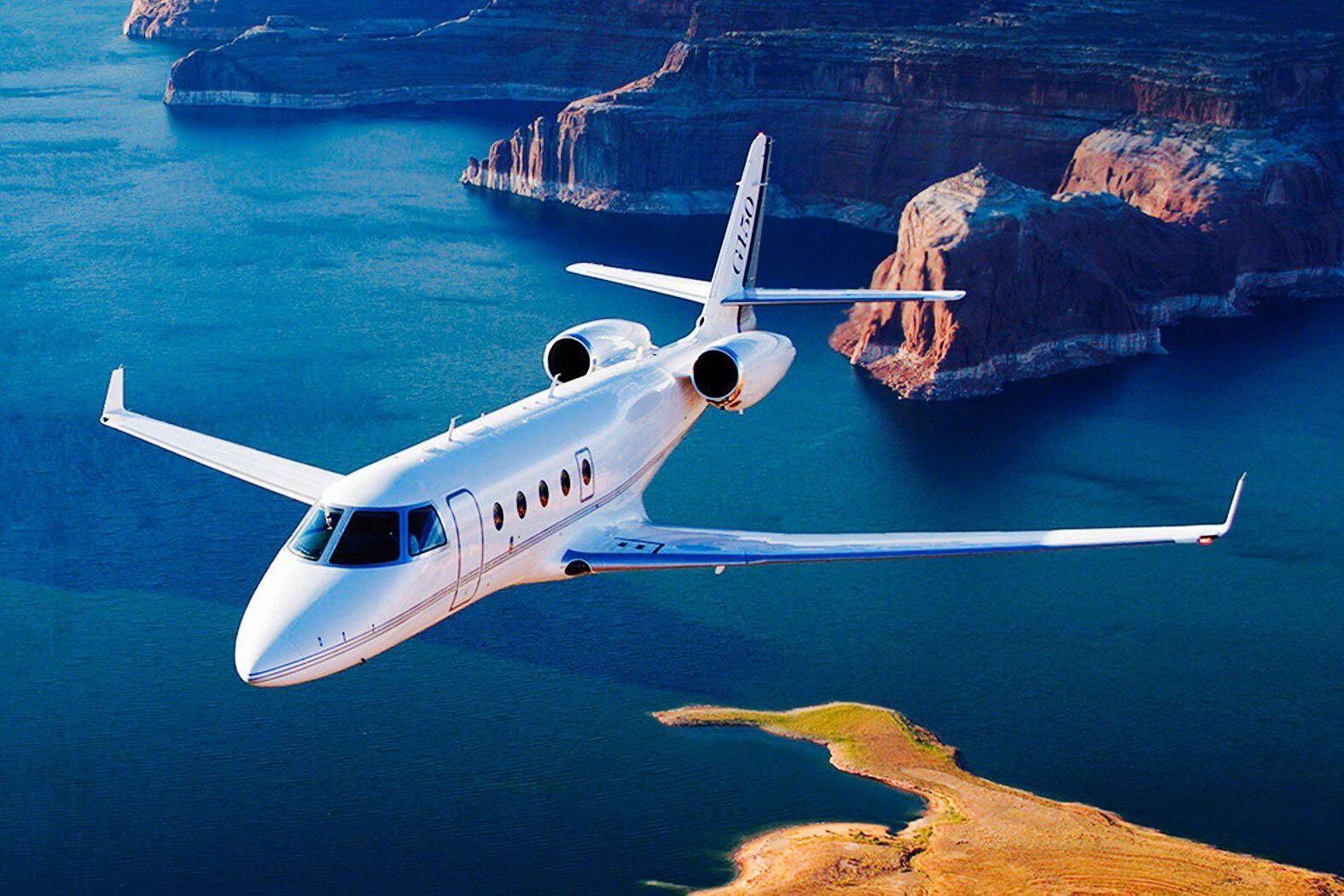 Pin oleh raul azari di private jet