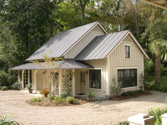 Lovely Farmhouse W Steel Roof 6 Pictures Metal Roof Houses Cottage House Exterior Metal Building Homes