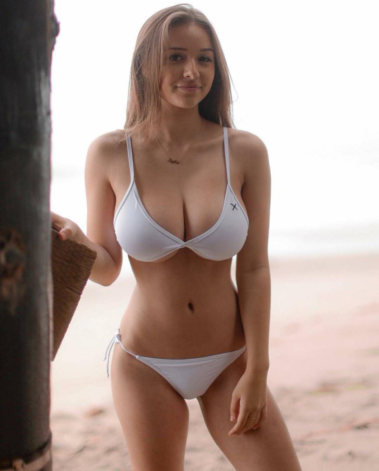 sophie mudd source: reddit   cm hot   pinterest   beach girls