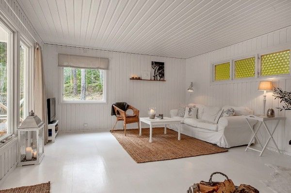 613-sq-ft-small-house-in-sweden-woods-004