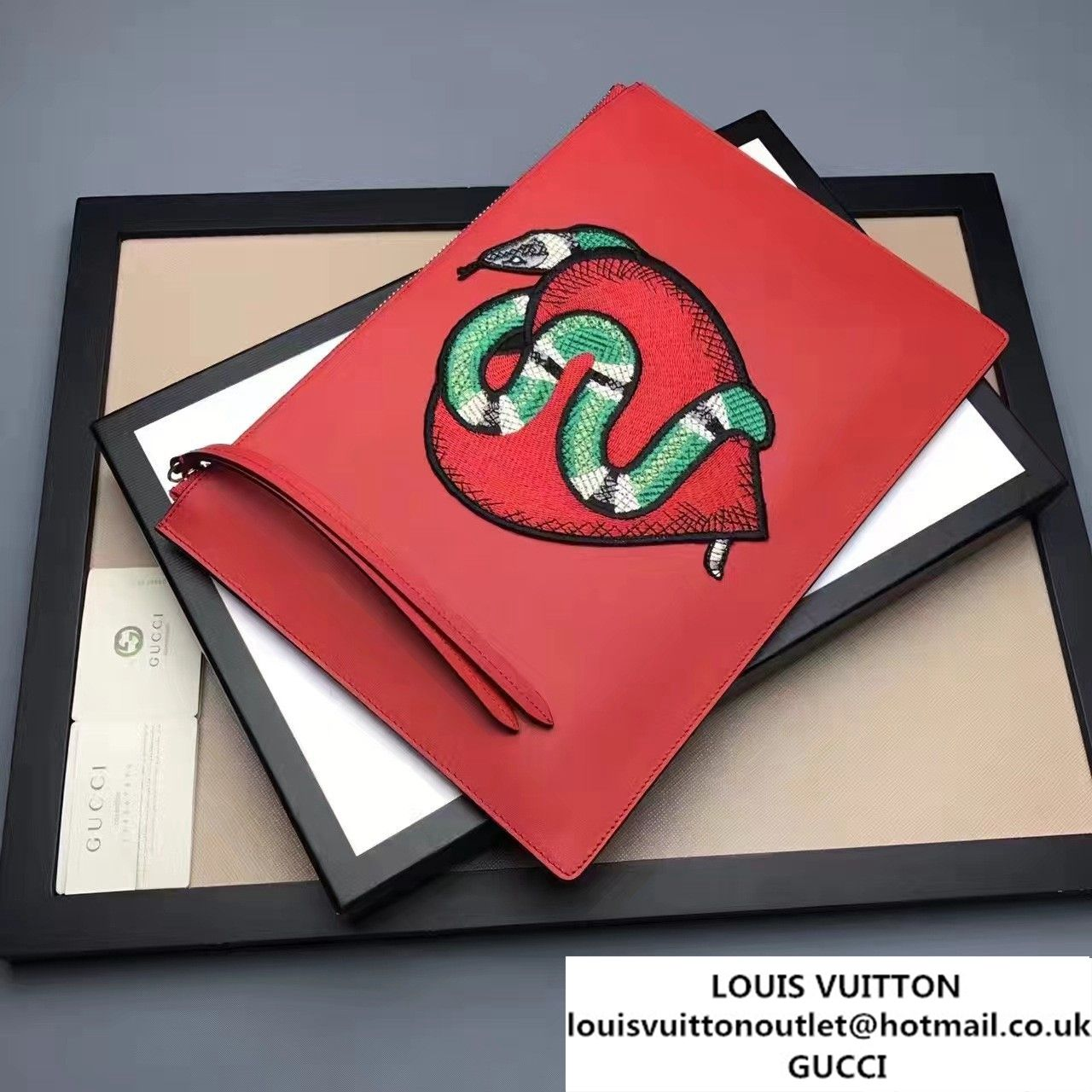 fb38cc8fec6 Gucci Leather Zip Pouch Clutch Bag 456864 Red Limited Edition Embroidered  Heart And Snake 2017