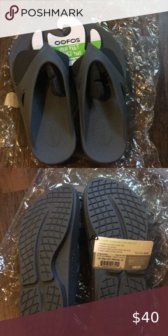 Oofos In 2020 Women Shopping Things To Sell Mens Flip Flop