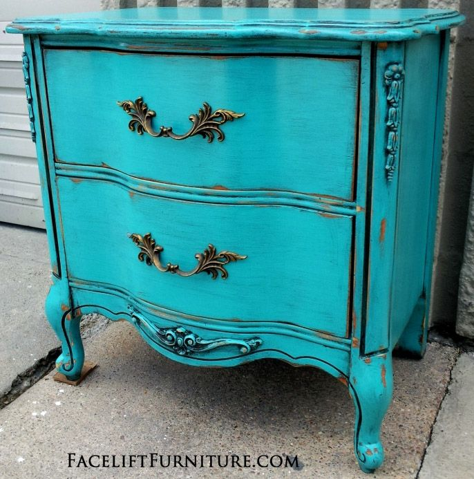Distressed Bedroom Furniture Diy: Turquoise French Nightstand - Before & After