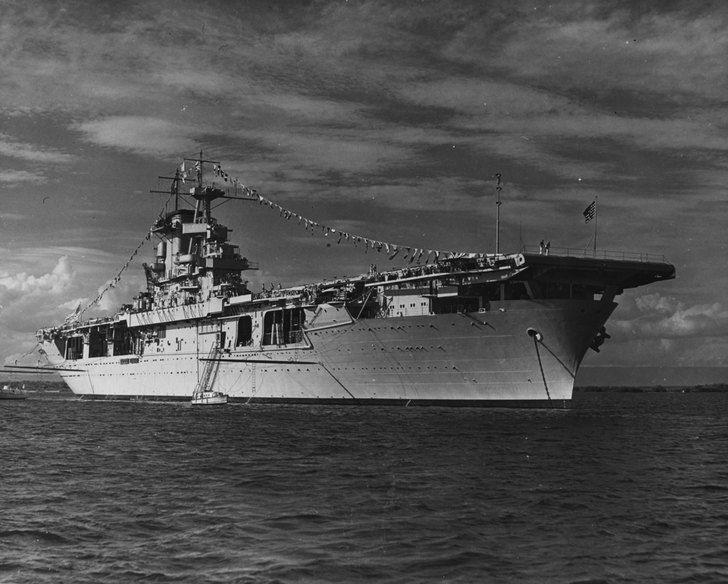 Uss Wasp Cv 7 Anchored At Guantanamo Bay Cuba Dressed Ship For Navy Day On 27 October 1940 3600 X 2890 Navy Day Navy Carriers Guantanamo Bay