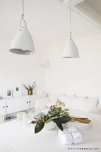 bonnesoeurs decoration paradis blanc 07 suspension porcelaine cornette tse tse decoration. Black Bedroom Furniture Sets. Home Design Ideas