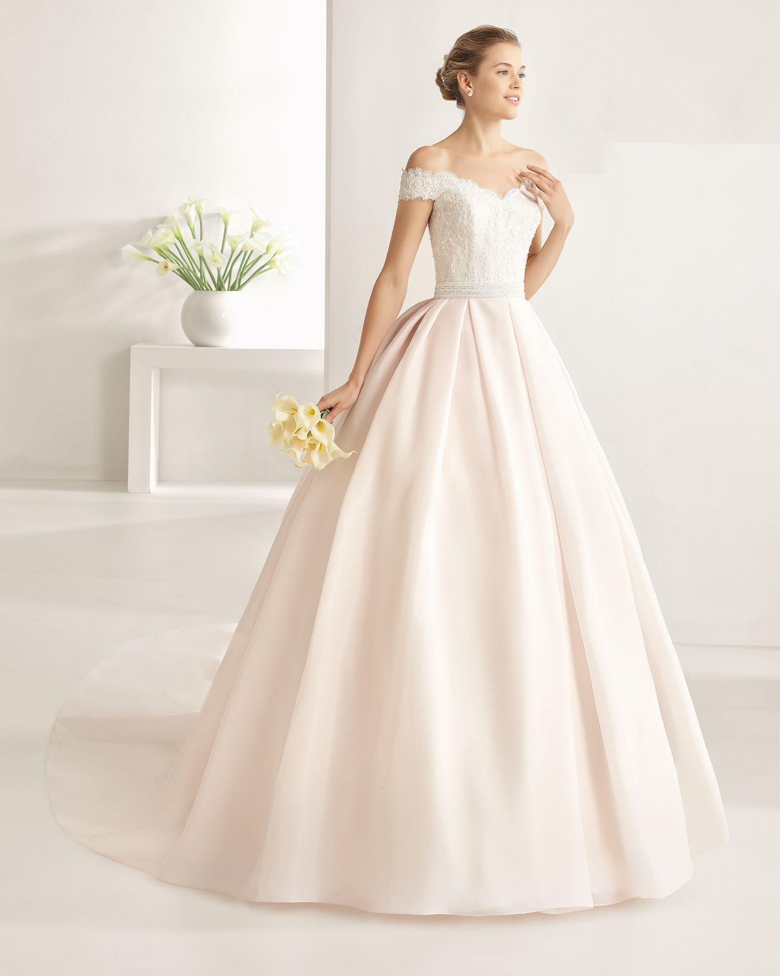 7d9b2800f ONIX vestido con cuerpo de encaje pedrería y falda de gazar. Bridal Dresses