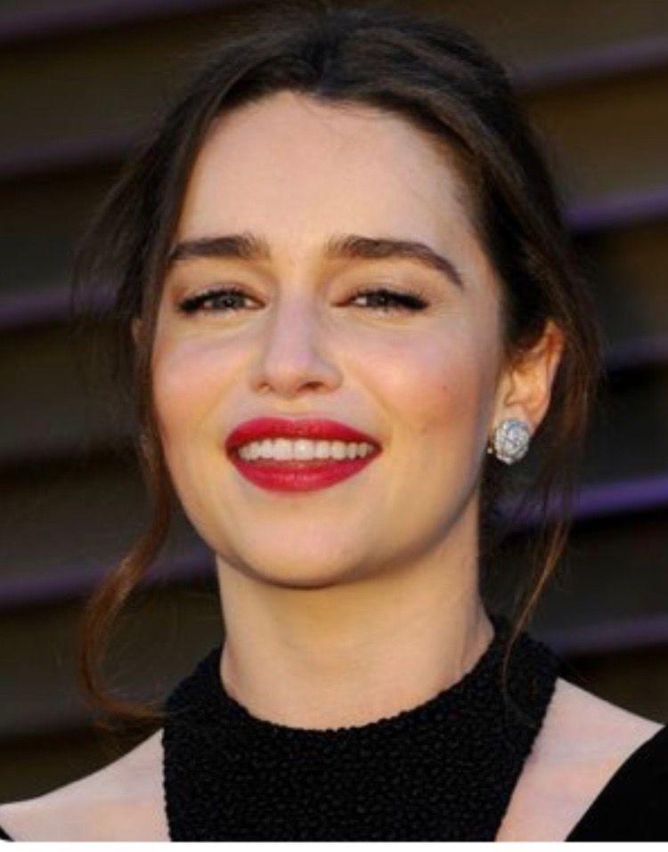 Pin by Leo on Emilia Clarke | Emilia clarke, Emilia clarke ...