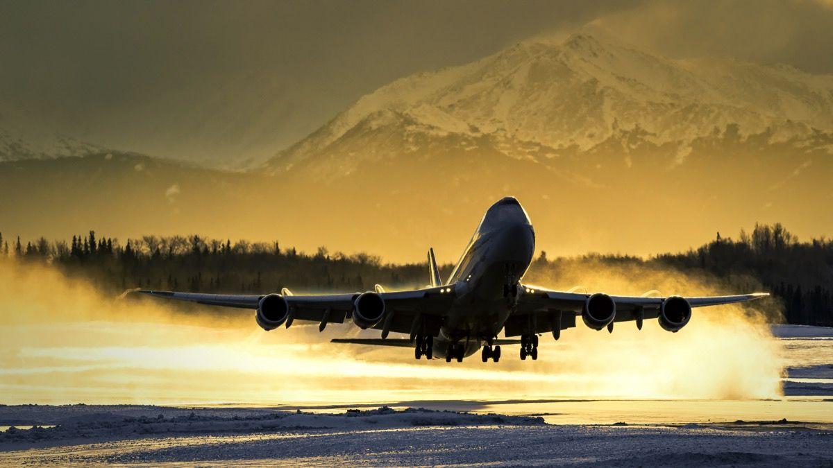 Resultado de imagen para Boeing 747 takeoff