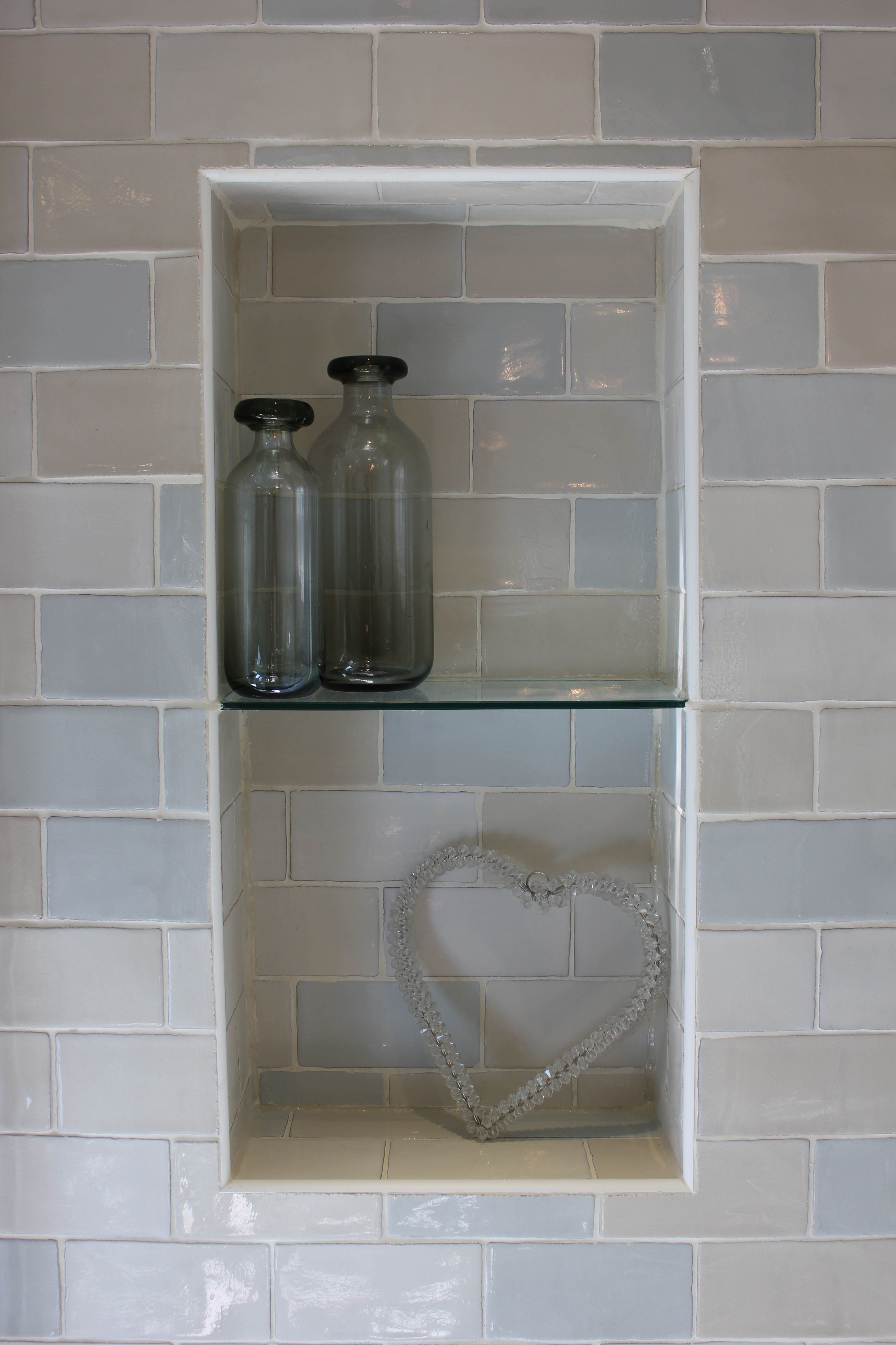 Craquel Tiled Shower Cubby Hole By Cotton Tree Interiors T 44