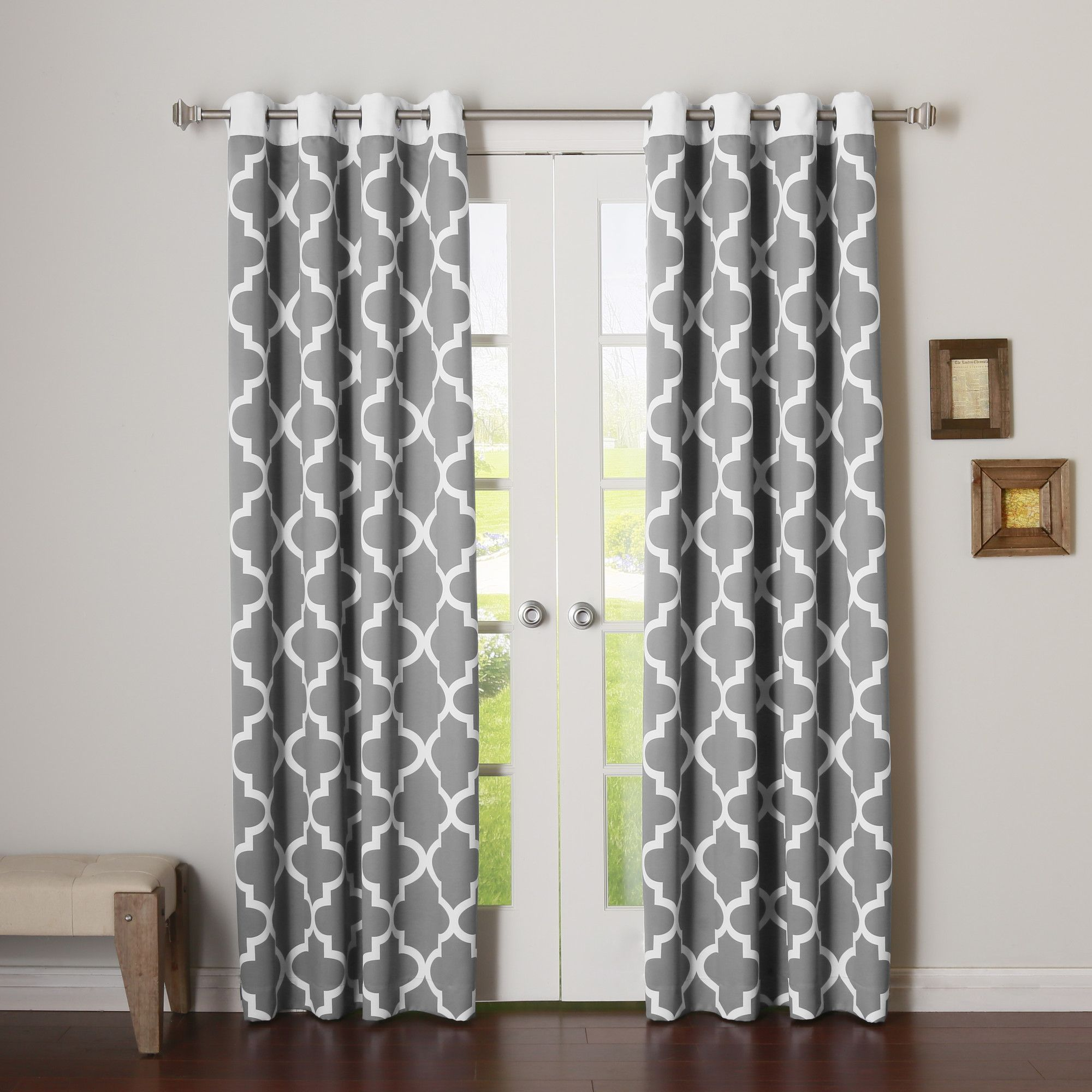 Features features an innovative single layer triple weave fabric