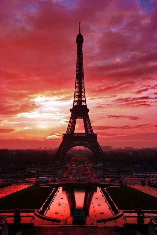 Zonsondergang bij de Eiffeltoren, Parijs