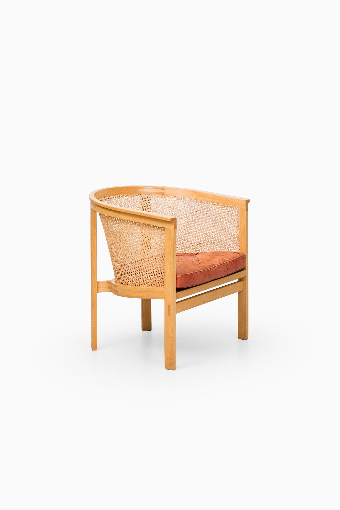Rud Thygesen Johnny Sorensen Easy Chair With Images Studio Chairs Chair Easy Chair