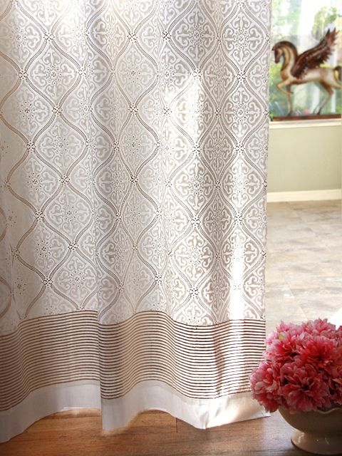 High Quality Vanilla Glacé ~ White Gold Romantic Elegant Luxury Curtain $39.99 (great  With Klimt Prints)