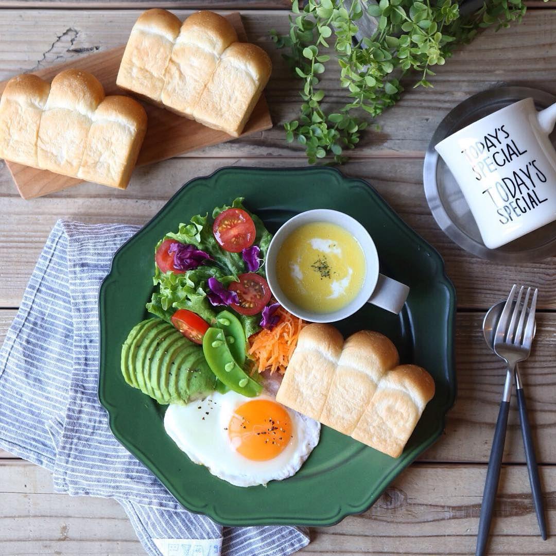 * Jan 13 ,2016 #朝ごはん #ワンプレート  #ミニミニ食パン #目玉焼き #コーンスープ #サラダ