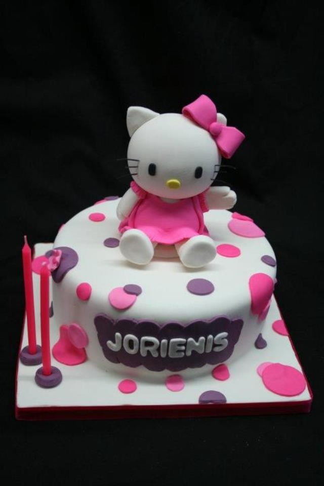 Hello kitty cake Em turns 2! Pinterest Hello kitty cake, Hello