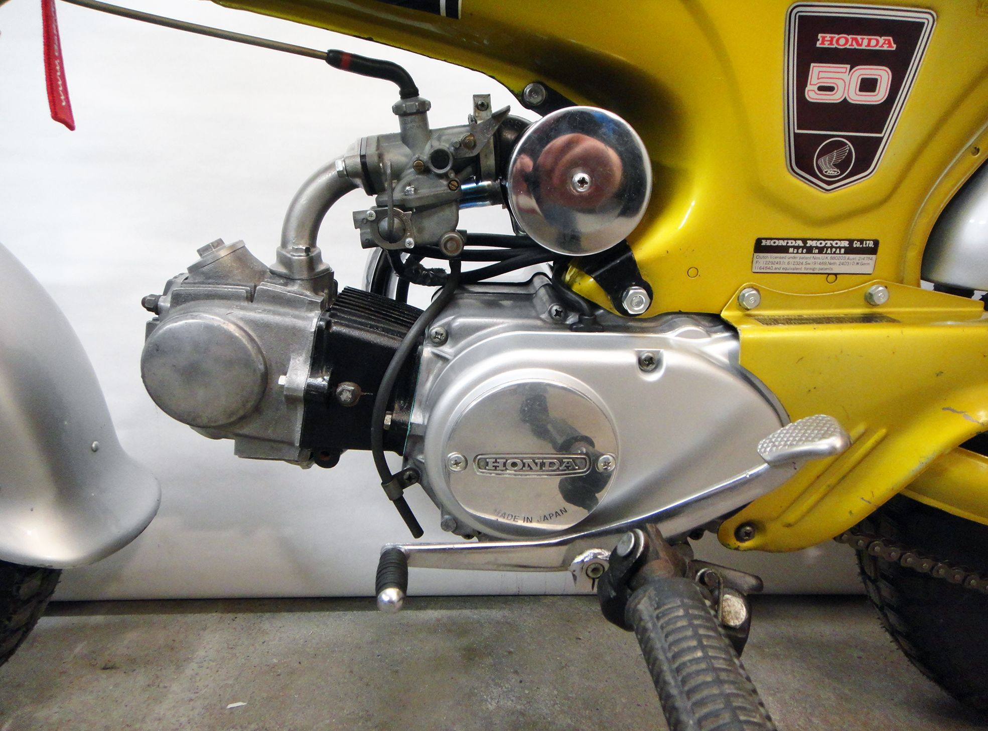 Honda Dax Candy Yellow Special