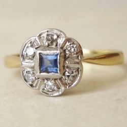5 styles of vintage engagement rings ✈ Like this antique sapphire ring from Etsy
