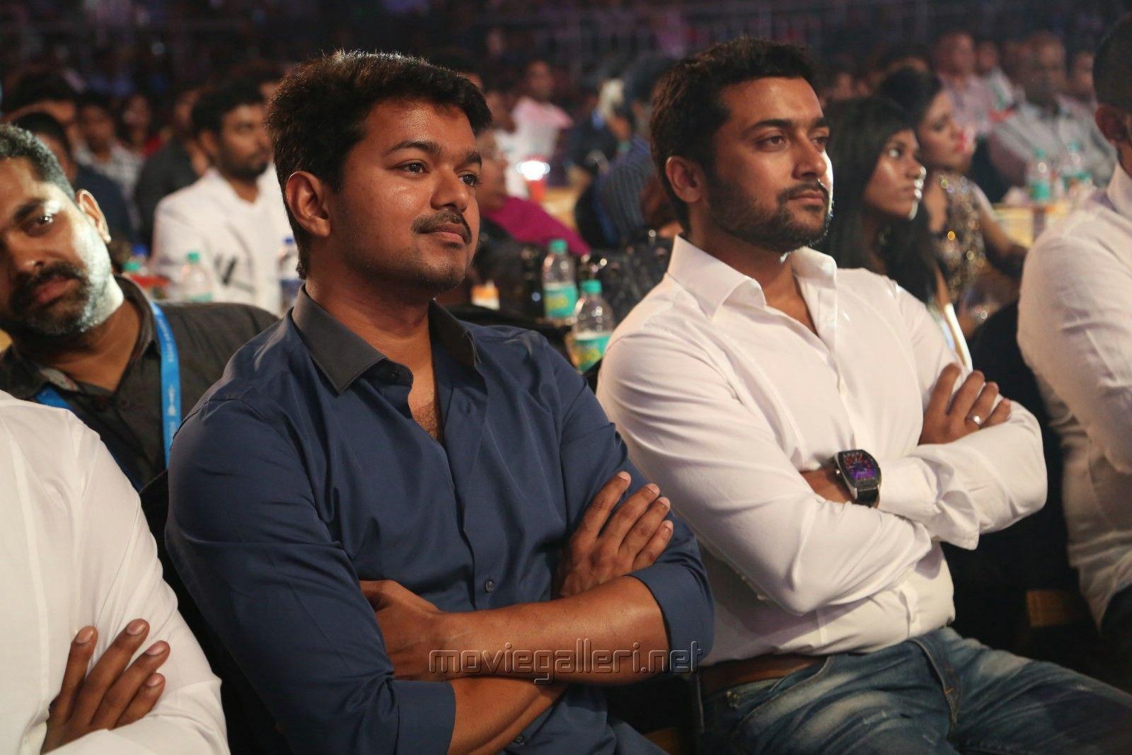 Vijay and Suriya at Vijay Awards 2014 | Veethi | Actor photo, Surya actor,  Actor picture