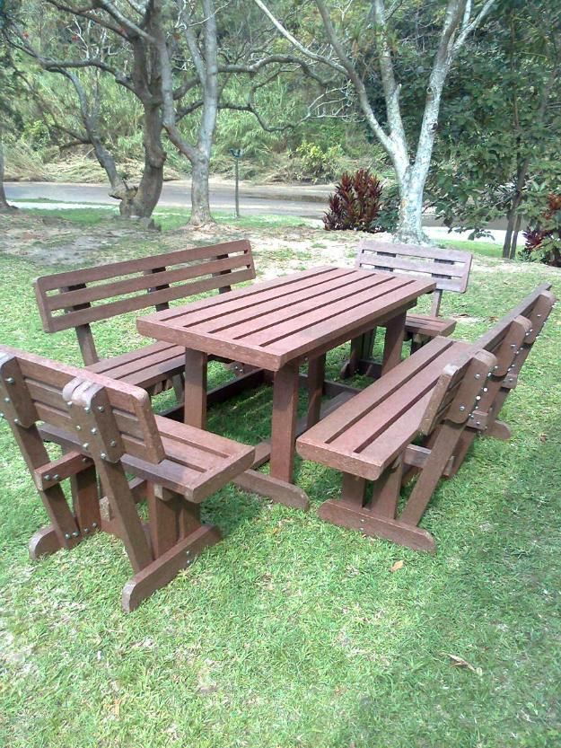 Heavy Duty Outdoor Furniture Made With Recycled Plastic Planks