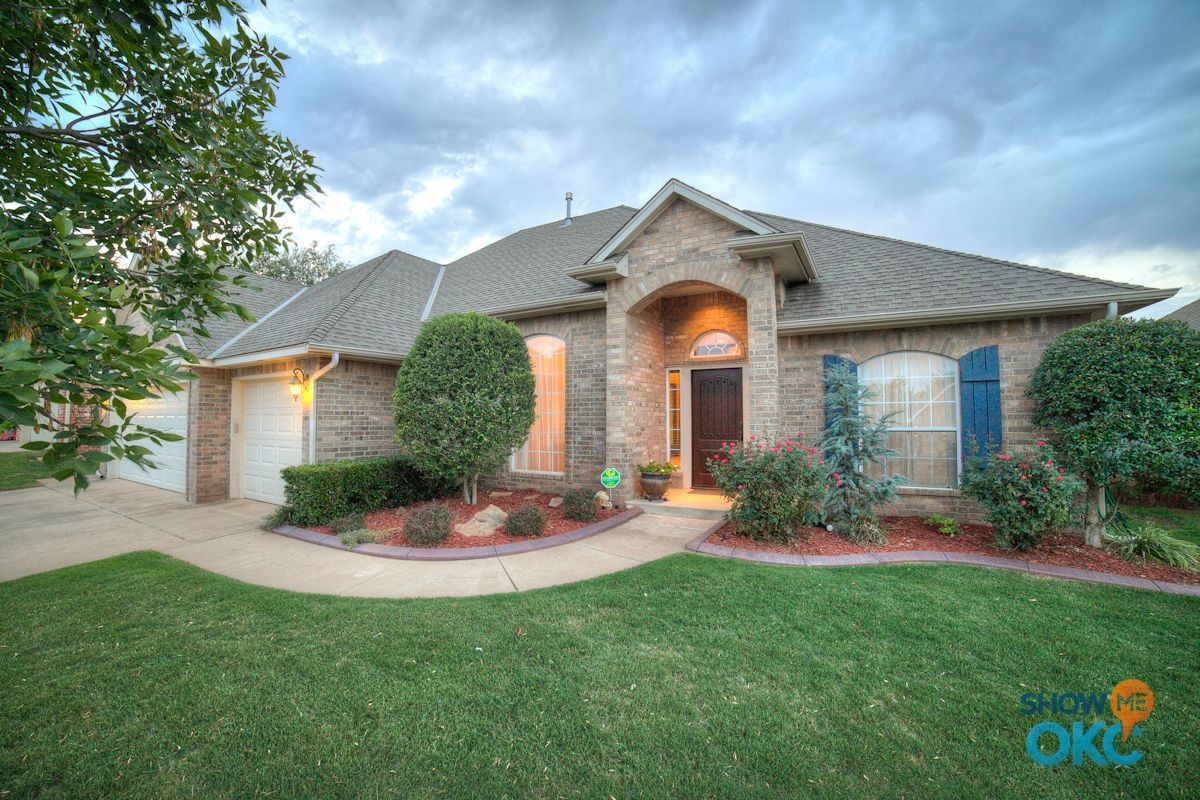 Beautiful homes beautiful homes for sale in edmond for Beautiful modern homes for sale
