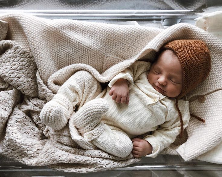 "Photo of Elodie – 31 on Instagram: ""Let's go home my sweet boy 🧡 29.10.2018 #babyspam . . . . . . #bebedu21novembre #judeloupbabyspam #newborn #mumofthree #bonton #kongessløjd…"""