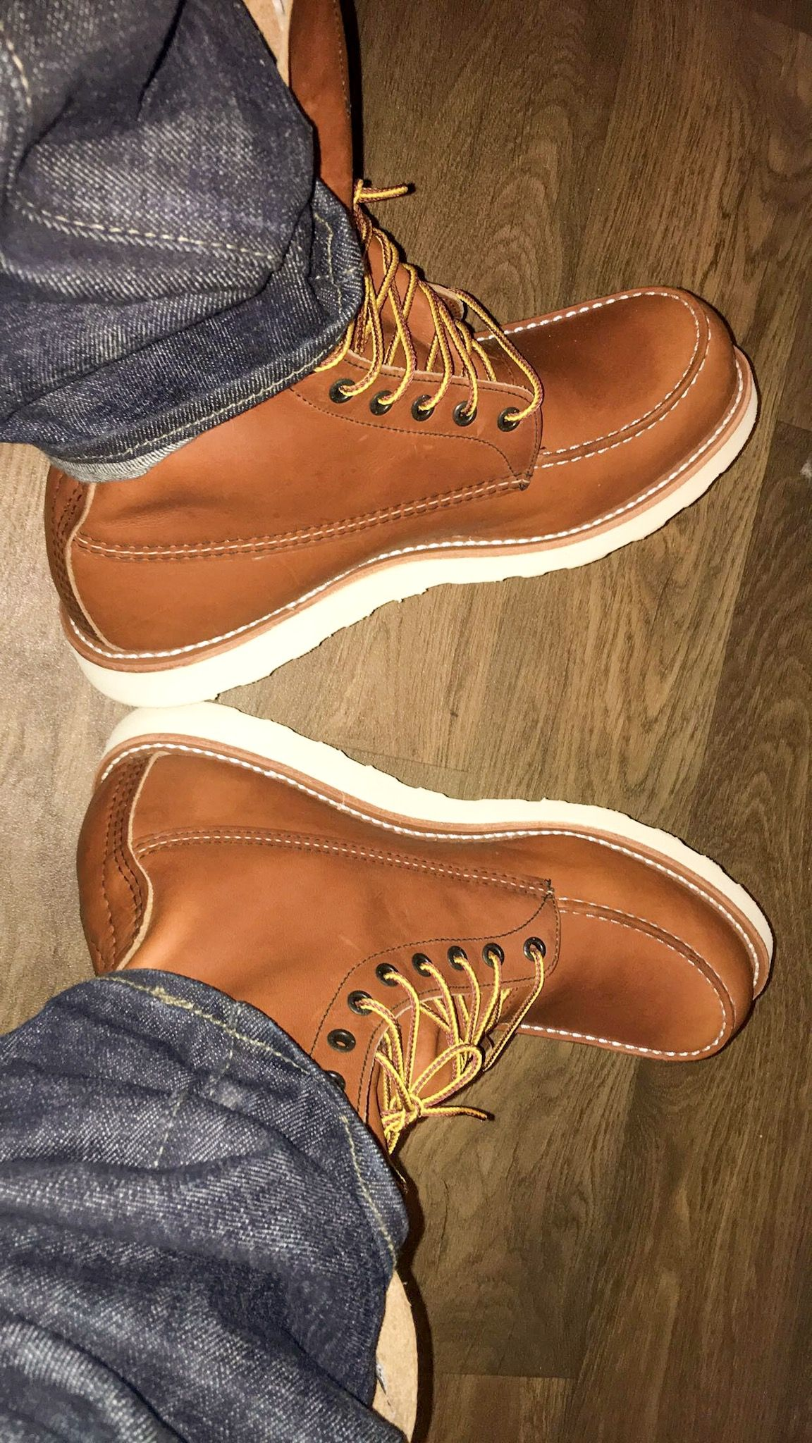 Beautifully crafted RedWing 10877