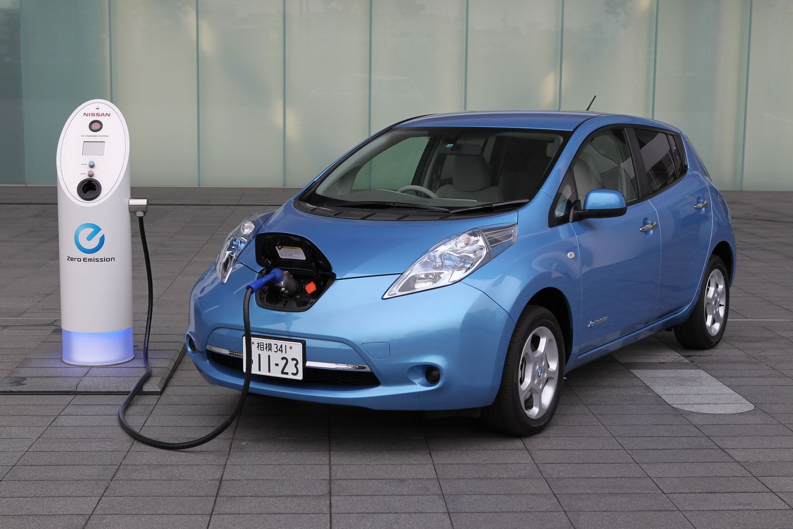 We leased a nissan leaf the leaf has a range of 100 miles and can get us around richmond pretty well however the only places we know of to plug